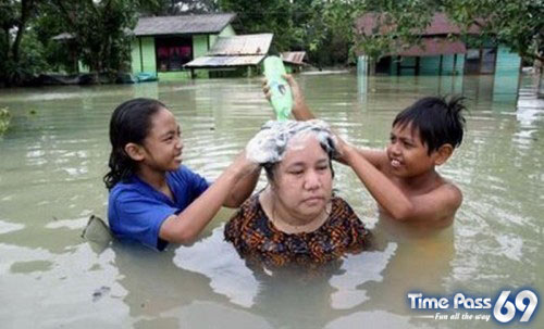 Funny Activitiy During Flood