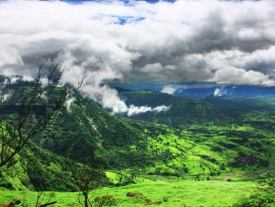 8 best hill stations near Mumbai perfect for a monsoon getaway