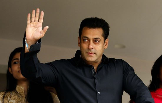 Top 10 Twitter celebrities in Bollywood