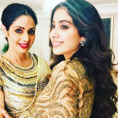 13 pics that prove Jhanvi Kapoor gets her good looks from mom Sridevi
