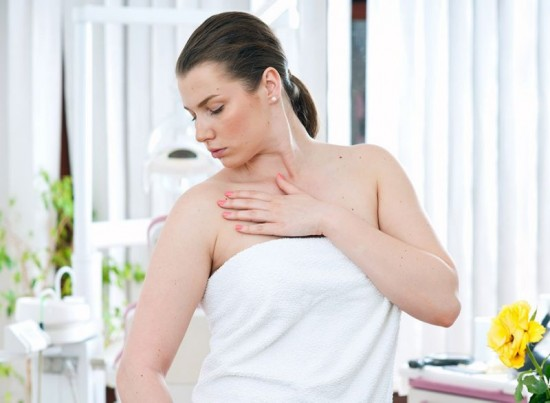 15 Thyroid Symptoms You're Ignoring