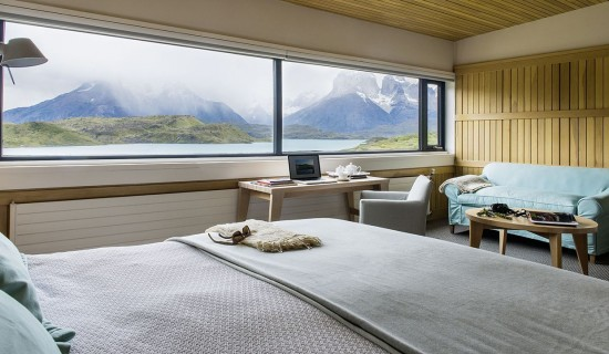 10 hotel rooms with fabulous views around the world